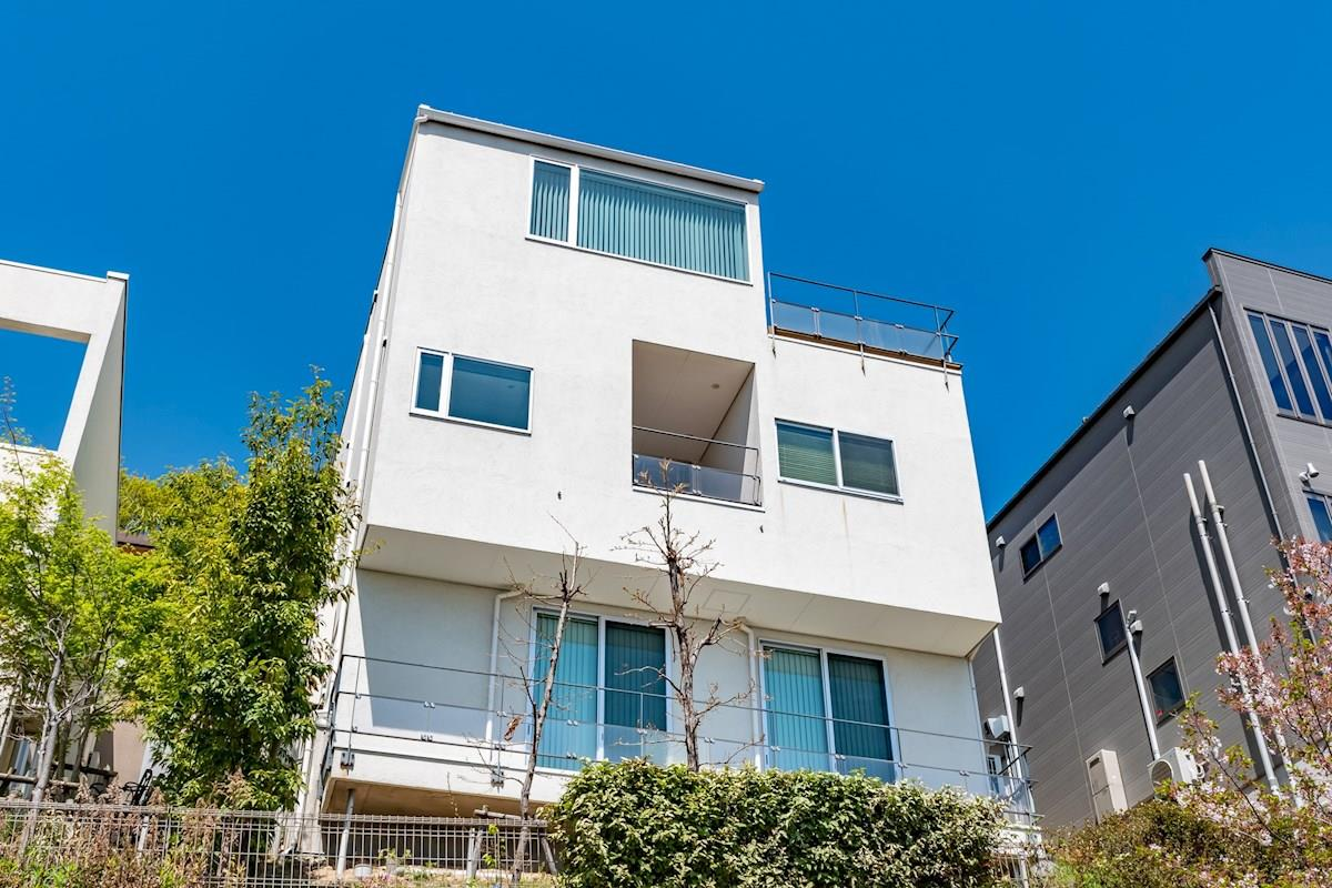 Okamoto Sakurazaka House