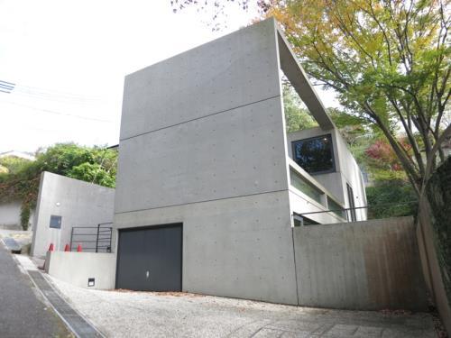 Exterior of 甲陽園目神山の邸宅