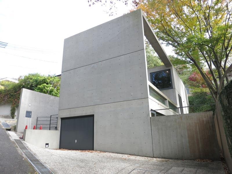 甲陽園目神山の邸宅